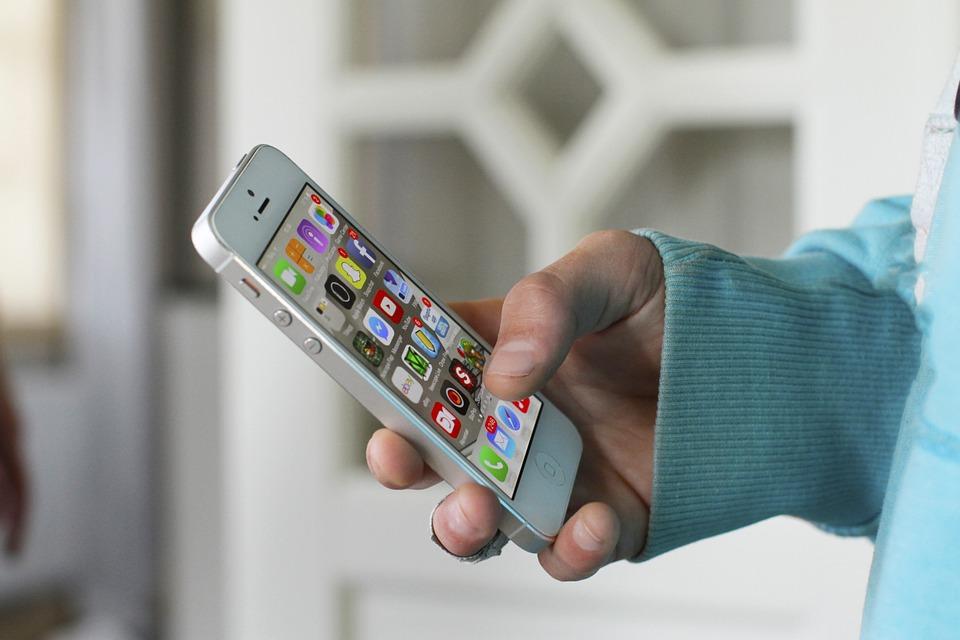 Popularita digitálních technologií roste. Lidé mají zájem o vlastní aplikace i o digitální desky