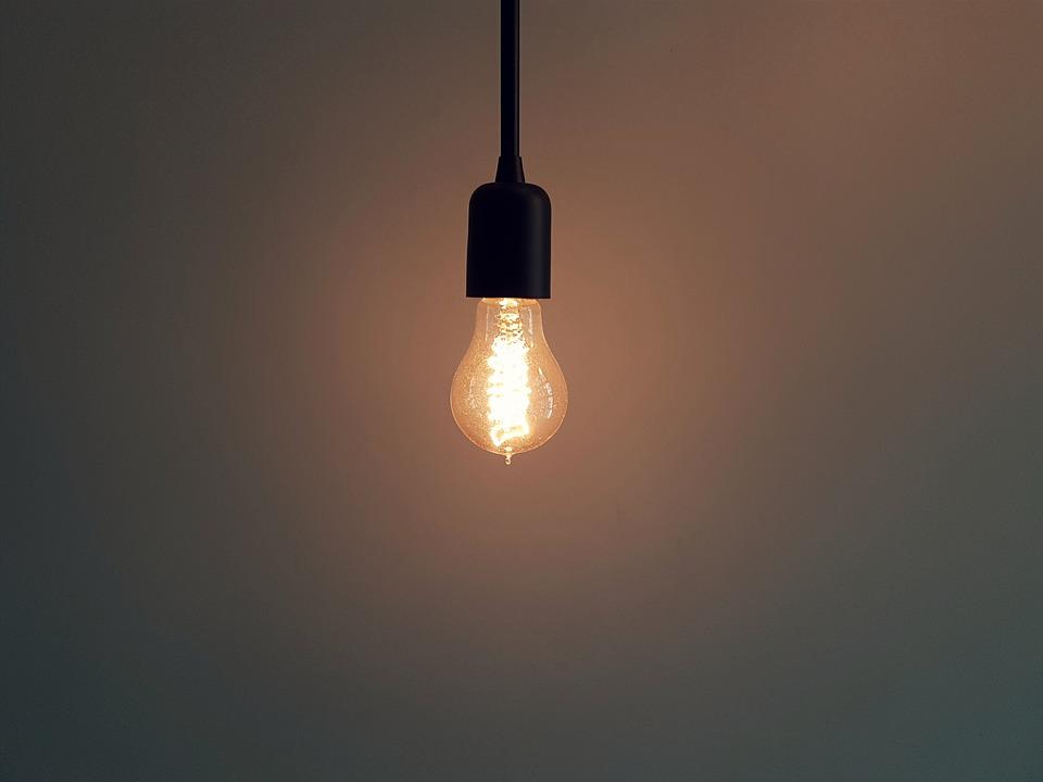 Vybíráme žárovku do jednotlivých místností v domě